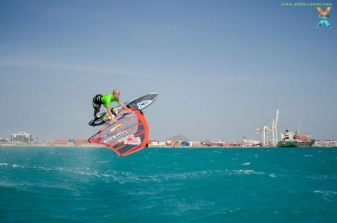 Amado Vrieswijk wins the 2013 aruba xtreme